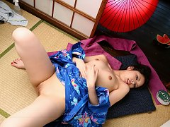 No Hair Land - 15 Shaved Japanese Beauties