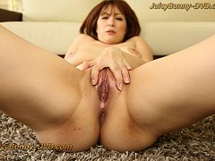 Hitomi Araki shows her paipan pussy creampie after...