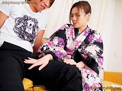 Kimono clad Rinoa Yuuki is open for hole explorers