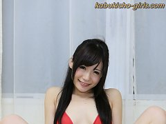 Shaved Japanese girl with big clit gives blowjob i...