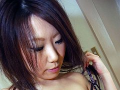 Japanese cougar strips purple leopard skin and spr...