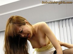Japanese cougar has an office lady pantyhose fetis...