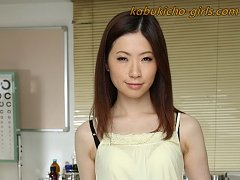 Japanese teen Rina Koda shows her beautiful body a...