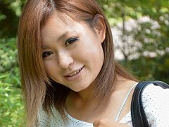 Japanese amateur girl cums using remote vibrator p...