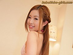 JAV Hottie Mika Nakagawa gives footjob while getti...