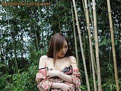 JAV Idol Kaoru loves fuckin in the great outdoors