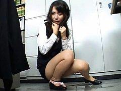 Meguru Kosaka Pretty babe serves tea minus her pan...