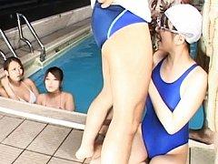 Japanese AV Model takes off swimsuit for pictures...