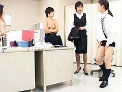 Japanese AV Model gets naked in front of 3 busines...