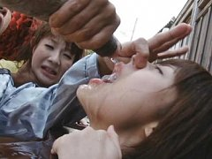 Japanese AV Model naked in public and forced to su...