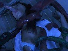 Maria Ozawa sucking the cock of an ugly hentai mon...