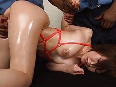 Yuu Shinoda babe in lingerie gets two cocks to pla...