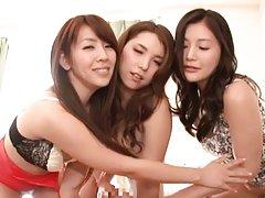 Haruka Makino Asian show their boobies and arouses...