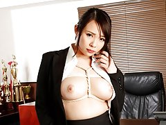 Big boobs office worker Mihane Yuuki gets a cumloa...