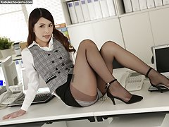 Nana Kamiyama looks in hot in secretary drag in hi...