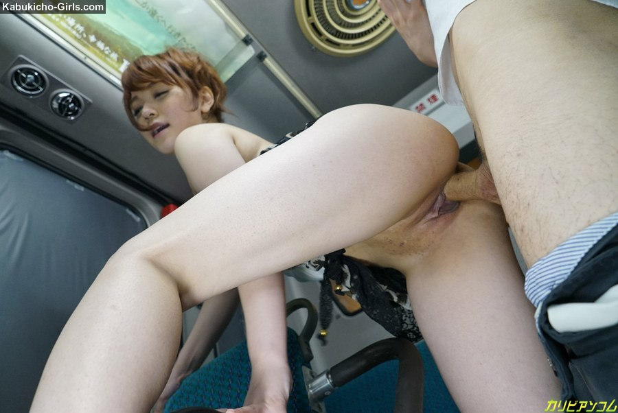 Handjob on the bus coming home