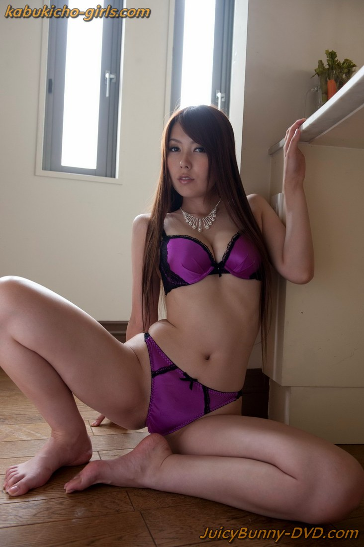 Dirty minded wife advent 5 maki hojo 10