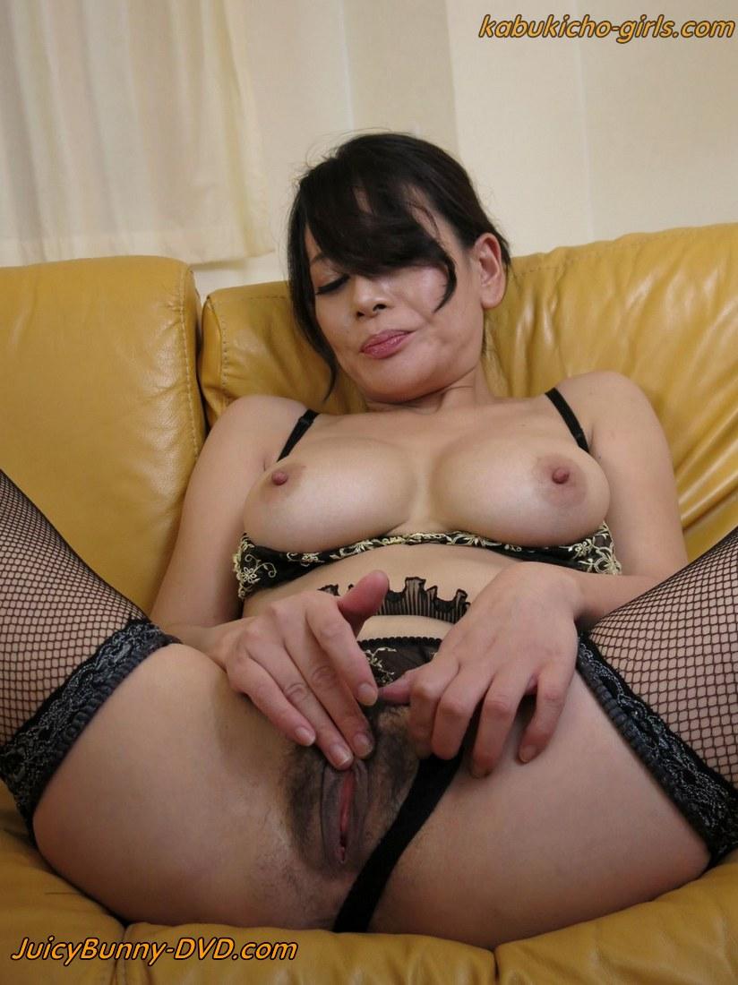Dirty minded wife advent satomi suzuki - 4 1