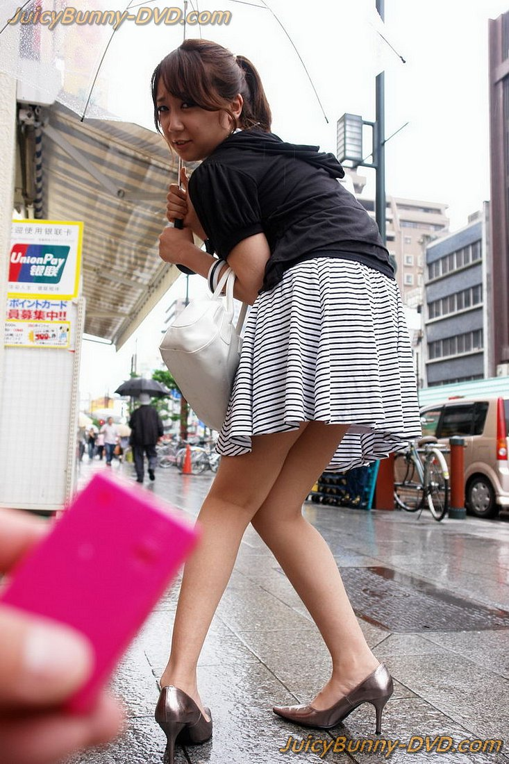 Girl Gives Blowjob Public