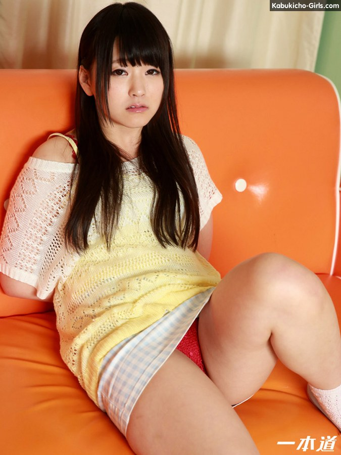 Amateur teen tsuna kimura endures two dongs in her vag 4