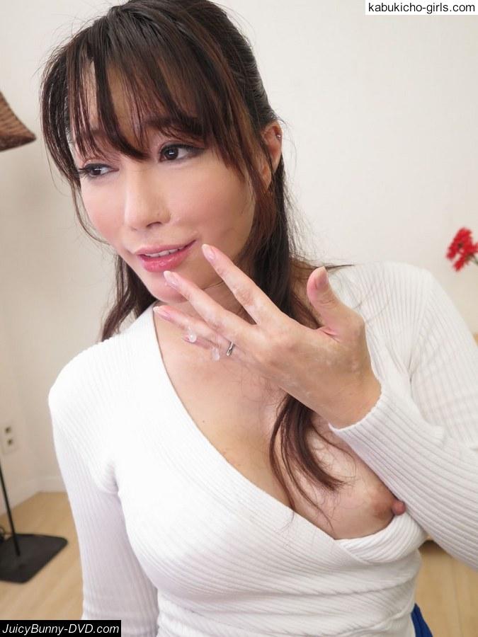 Dirty minded wife advent satomi suzuki - 4 5