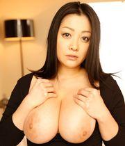 Minako Komukai