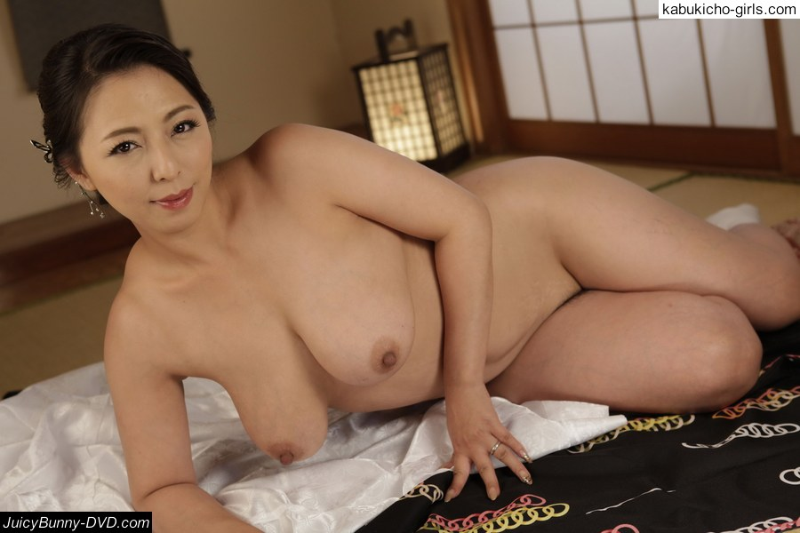 Dirty minded wife advent 5 maki hojo 1